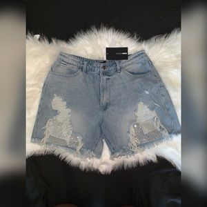 Jean shorts w/ rhinestone detailing